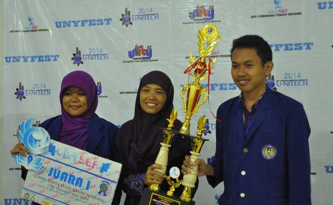 Sabtu (10/5), Murti (kiri) dan Awal (Kanan) Pemenang Lomba UNYSEF 2014. (Abi   EKSPRESI)